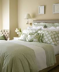 shabby chic bedding sets a romantic atmosphere in a stylish bedroom bedroom 4 20
