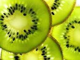 possible health benefits of consuming kiwifruit