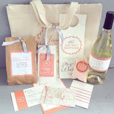 wedding welcome bags what goes in them wedding for 1000