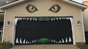 garage door artWe Cant Stop Watching This Halloween Garage Door in Action