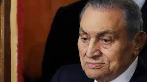 وفاة حسني مبارك.. الرئيس الذي تربع على عرش مصر 30 عاما قبل أن تسقطه ثورة  شعبية
