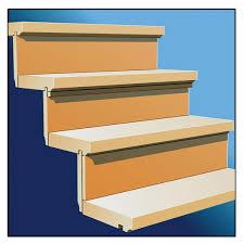 Superkleber sind eine tolle sache, sie kleben so gut wie alles und zudem auch noch sehr schnell. Treppen Renovieren So Wird Die Holztreppe Wie Neu Das Haus