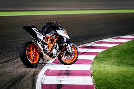 2018 ktm super duke. beautiful ktm for 2017 the super duke r has u0027track packu0027 option of a quickshifter for  both up and down shifts even without optional luxury electronically  throughout 2018 ktm super duke