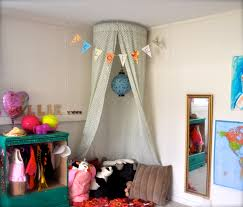 Diy Kids Bed Tent Diy Bed Canopy Hula Hoop Bed Canopy Diy Simple Yet Fabulous Ideas To