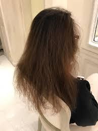 ブローしてもパサパサ広がるくせ毛を生かしてショートボブへくせ毛