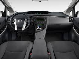 2011 Toyota Prius Reviews and Rating | Motor Trend