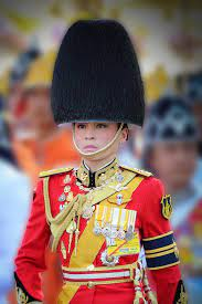 พระคู่ขวัญคู่พระราชหฤทัย พระบรมราชินีผู้องอาจเข้มแข็ง
