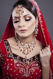 eye makeup with red and green dress saubhaya makeup