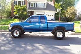 Photo Image Gallery & Touchup Paint: Toyota Truck in Bright Blue ...