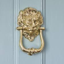 br lion head shaped door knocker