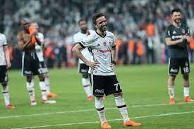 Beşiktaşlı Gökhan Gönül'e Fulham talip! - Sayfa 1 - Beşiktaş - 16 Temmuz  2021 Cuma