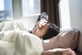 「寝ている 女性 無料画像」の画像検索結果