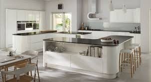 White Gloss Kitchen Strada Handleless Lacquer Gloss White