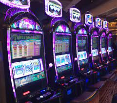 6 Months After Casino Opens, Gambling Addiction Services Roll Out... Slowly  | New England Public Media