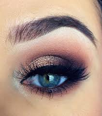lovely eye makeup for prom