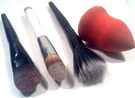 there are so many diffe types of brushes and sponges out there for foundation and all give diffe applications here are some ways that i like to use