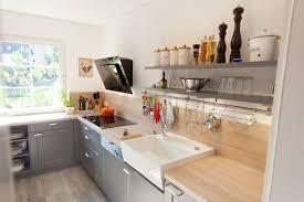 Küche Wie Einrichten Modern Hell Wasserhahn Fenster Lederbank Kuche