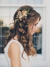 Svatební účesy S Copánky Květy A Diadém