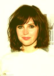 best haircut for fine wavy hair felicity jones bob hairstyle with bangs photos