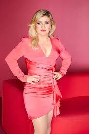 Kelly Clarkson fans slam ex Brandon ...