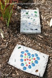 Diy Stepping Stones Pink And Green Mama Daddy Camp Kid Friendly Cement Stepping
