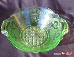 green depression glass bowl etch pattern vaseline glows