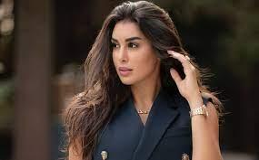 Haya Online | ياسمين صبري ترتدي اغلى عقد في العالم من كارتير