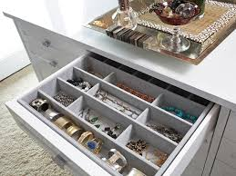 Back to: Perfectly Tidy Dresser Drawer Organizer