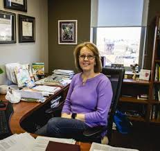 Professor becomes first faculty-in-residence   News   thepenn.org