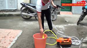 Máy rửa xe Fumak F-184 tự hút nước từ xô chậu, mô tơ từ 100% dây đồng, giá  chỉ 1.590.000đ - YouTube