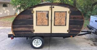 Diy travel trailer Plans He Builds An Adorable Teardrop Camper But When He Opens The Doors Incredible Pinterest He Builds An Adorable Teardrop Camper But When He Opens The Doors