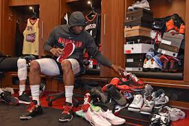 Tucker Signing Chart Nba Sneaker King P J Tucker Gets His First Nike Pe Shoe
