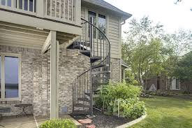 balcony-spiral-stairs