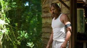 Ben es un padre que ha pasado diez años viviendo en los remotos bosques situados al noroeste del pacífico criando a sus seis hijos. Prime Video Captain Fantastic