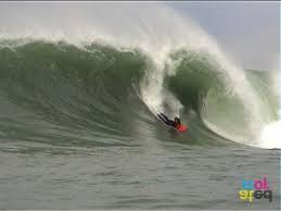 dinner plates nz surf. mitch frew, dinner plates, 2003 - photo © hayden parsons plates nz surf e