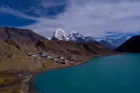 gokyo lake chola p trekking to everest base c mountain guide trek expedition pvt