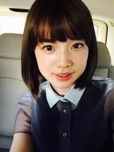 前髪ぱっつんの弘中綾香