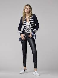 Daily updated Beauty and Fashion Female Portal A photo with Tommy Hilfiger.