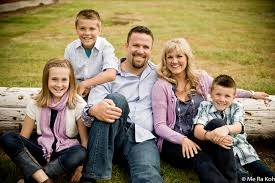 6 Tips For Your Family Photo Shoot Me Ra Koh The Photo Mom