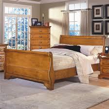 New Classic Bedroom Furniture New Classic Honey Creek Queen Oak Sleigh Bed Del Sol Furniture