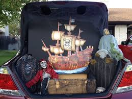How to Decorate for Trunk-or-Treat | MommaDJane