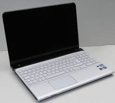 sony vaio laptop. sony has chosen the colours black and white. vaio laptop l