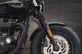 review 2018 triumph bonneville bobber black shows off the