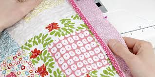 How to Make a Patchwork Quilt - Try Our Beginner's Guide To ... & How to make a patchwork quilt: A beginner's guide Adamdwight.com