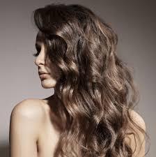 Nos Idées Coiffure Pour Cheveux Bouclés Magazine Avantages