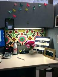 decorate office space work. How To Decorate An Office Cubicle Decorating Space At Work T