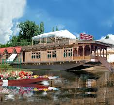 Pictures Of Houseboats Welcomheritage Gurkha Houseboats Srinagar Get Upto 70 Off On