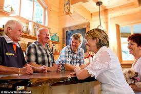 treehouse masters pete nelson daughter. The Grown-ups - John Butler, Left, Jeff Weber, Second From Left Treehouse Masters Pete Nelson Daughter I
