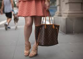 louis vuitton neverfull mm cinched. fashion blogger with louis vuitton neverfull mm and donald j pliner cork wedge sandals cinched