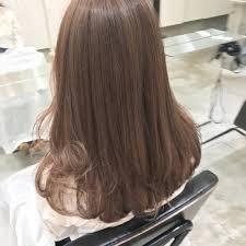 モカブラウンの髪色23選ブリーチ無しで出来るヘアカラー画像も明るい